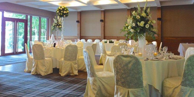 Glen Luss Suite table setting