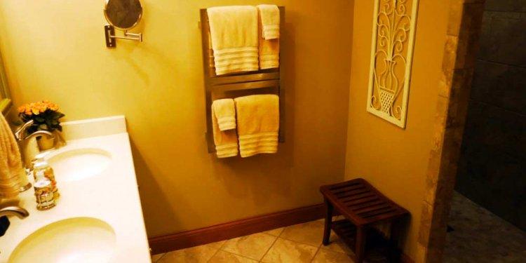 Scottish-B&B-king_bathroomy