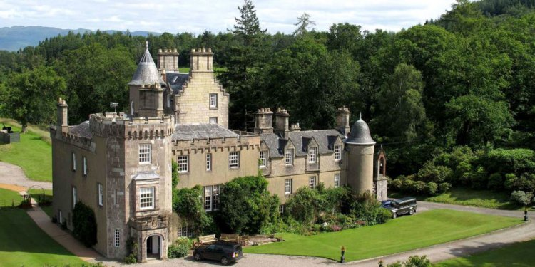 Loch Lomond Castle 1024x576