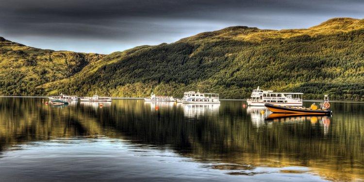 Tarbet reflections, Loch