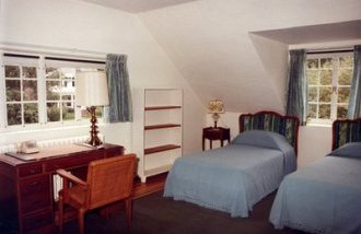 Fellows Building bed room,  1981